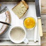 Di colazioni, di partenze, di albumi e altri avanzi di frigo (e dispensa). Ovvero la torta di albumi yogurt e agrumi.