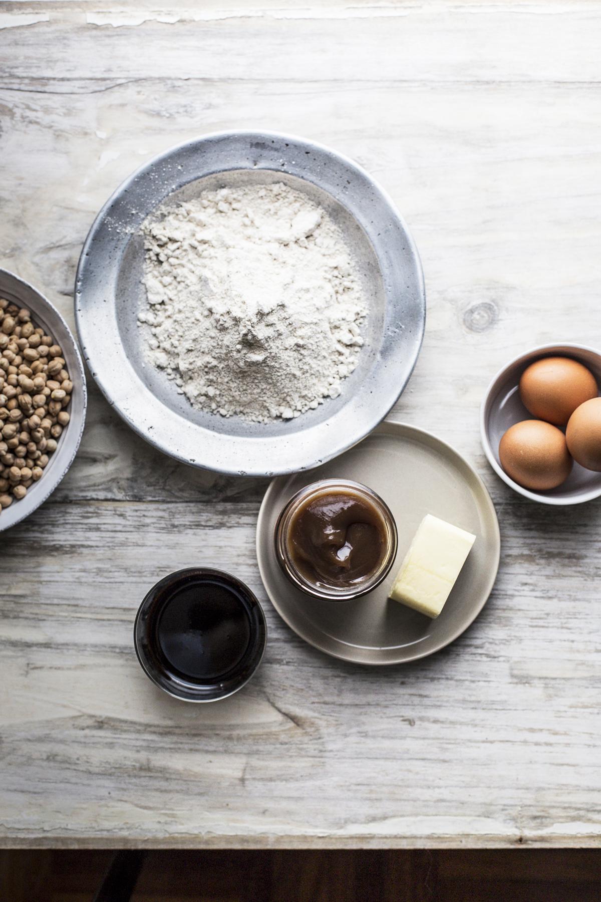 crostata con ceci, crema di marroni, cacao e sapa | Rossella Venezia
