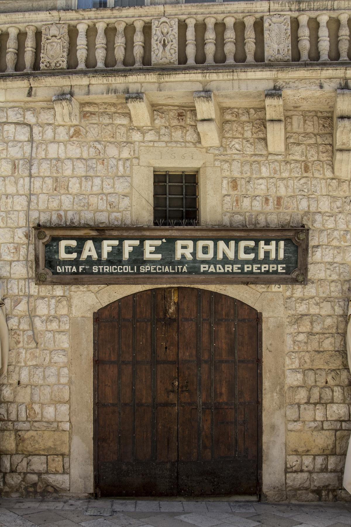 Puglia - Caffè Ronchi Altamura Rossella Venezia ph