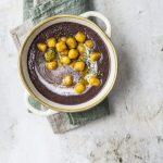 Vellutata fagioli neri e gnocchetti alla curcuma e timo | Vaniglia - Storie di cucina